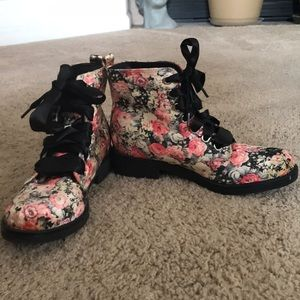 Never worn | Dirty Laundry floral boots